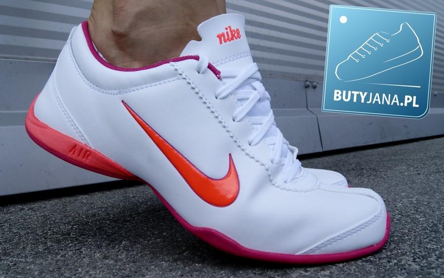 wygodne damskie buty do fitnessu nike air musio