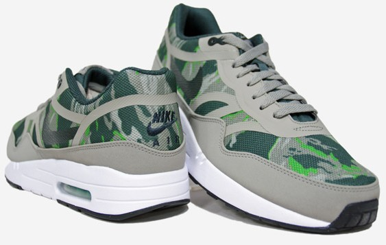 Nike-Air-Max-1-Premium-Tape-599514-030-buty-męskie