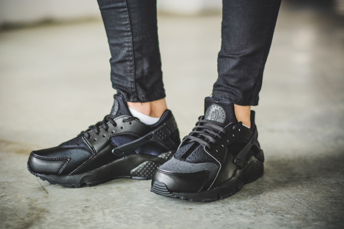 damskie_nike_air_huarache_run_wmns_634835-012