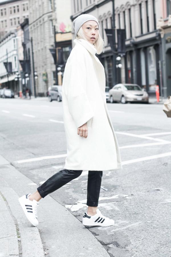topshopwhiteoversizedcoat1-600x900 vanessa adidas superstar