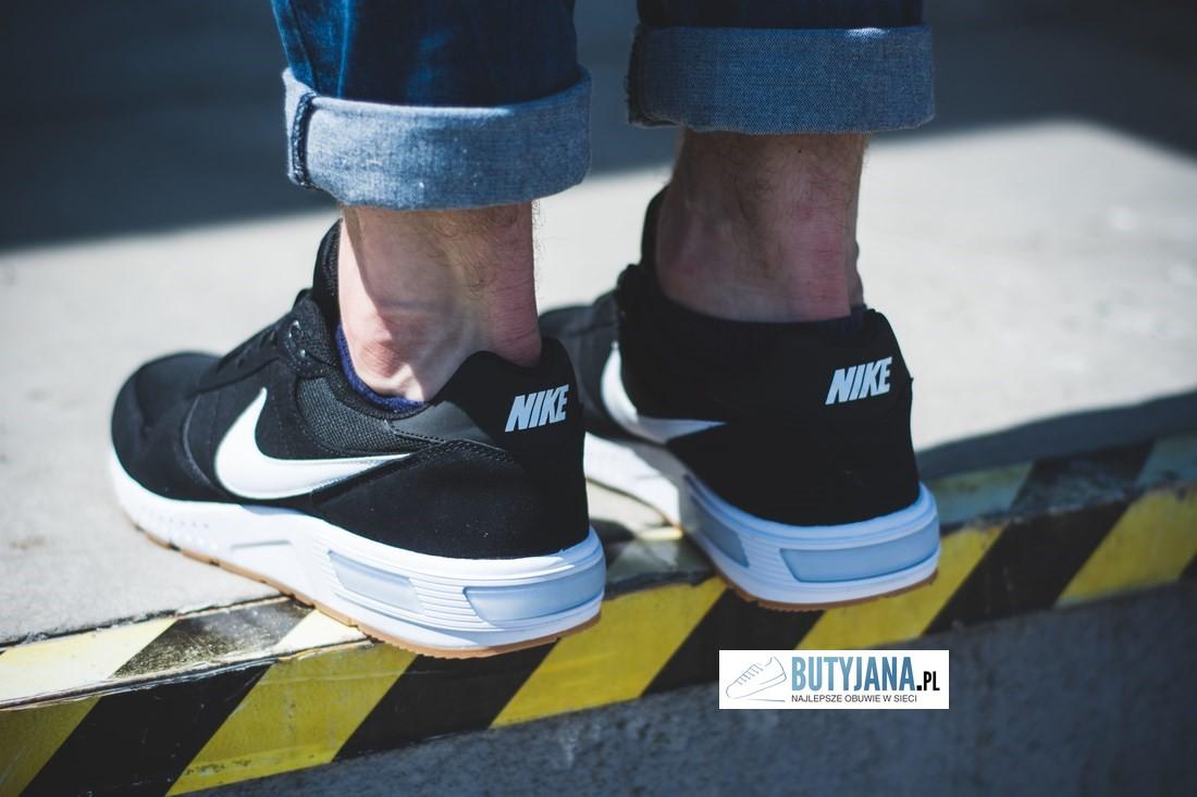 Nike Nightgazer na nodze
