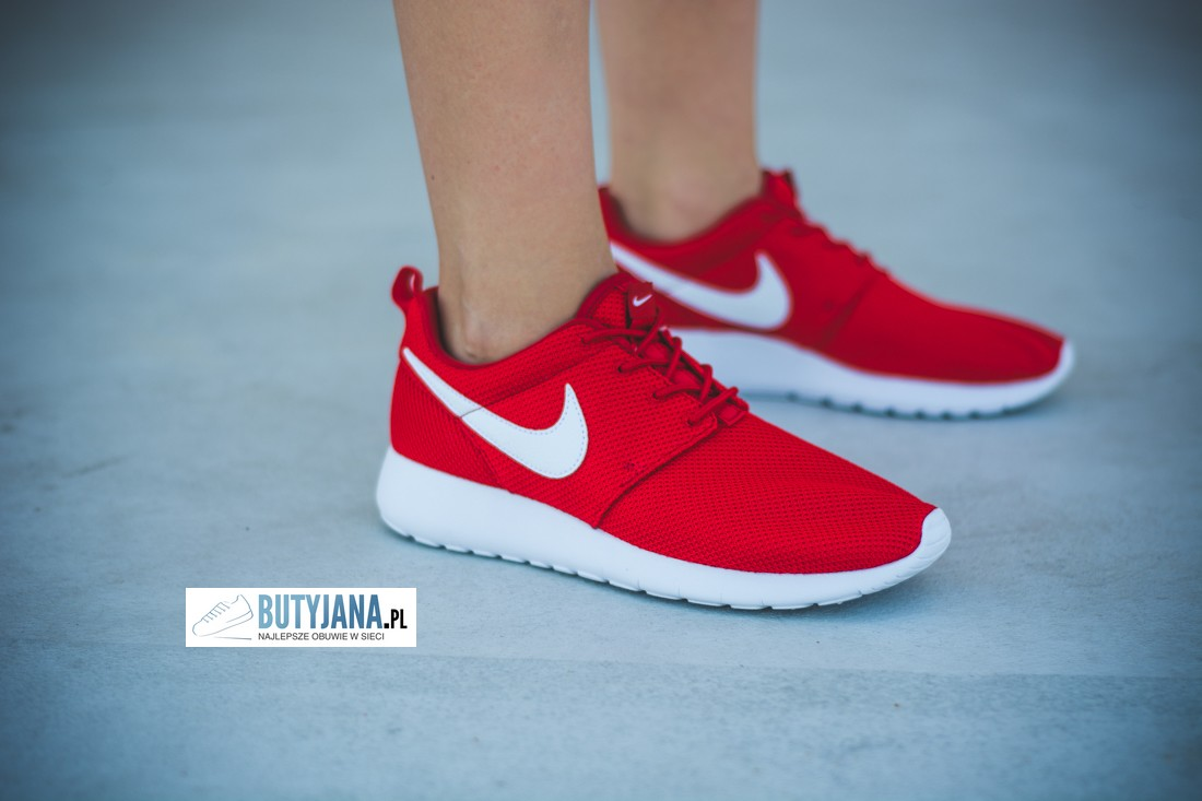 Nike Roshe One Gs 599728-605 University Red - White damskie buty