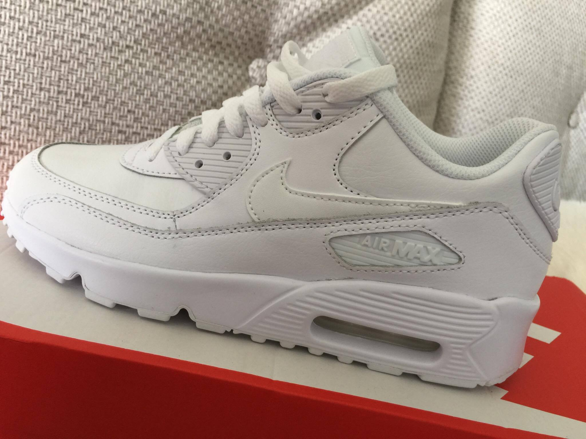 new product 111e2 3161f air max biale podroby